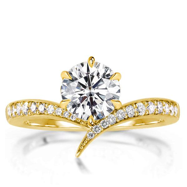 V-Design Golden Round Cut Engagement Ring, White