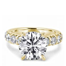 Golden Classic Round Engagement Ring