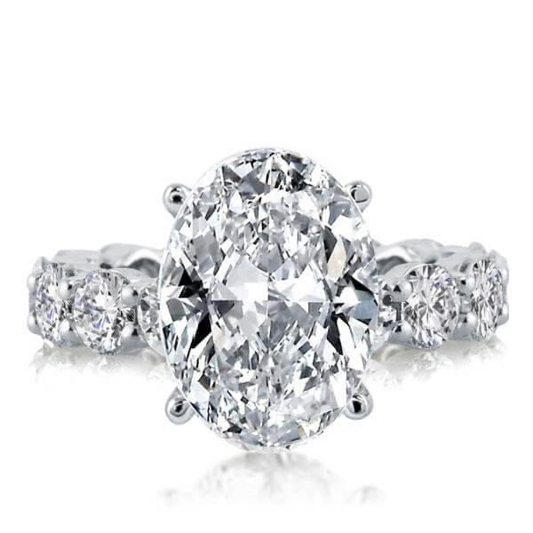 Buying engagment rings for women