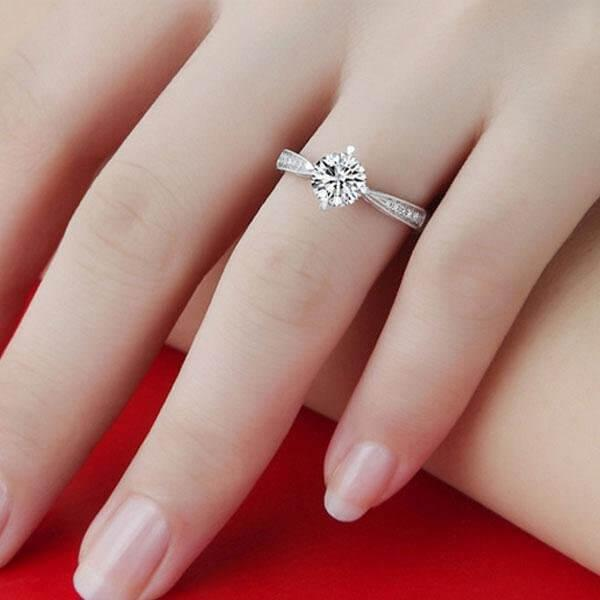 The Best Engagement Rings for Every Style Oline