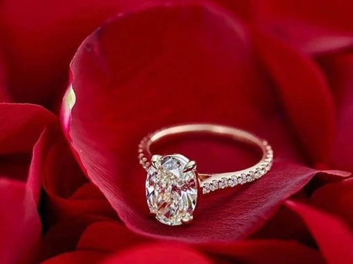 Our Favorite Oval Solitaire Engagement Ring