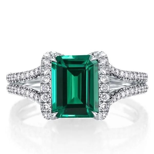 Five green engagement rings that you will envy