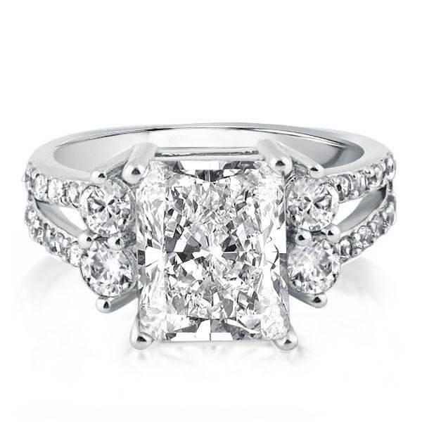HOW TO CHOOSE A TIMELESS ENGAGEMENT RINGS THAT WILL
