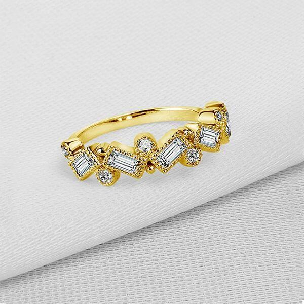 Things To Note When Choosing A Yellow Sapphire Engagement Rings