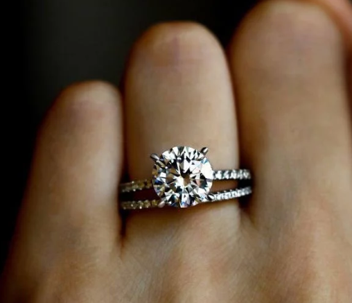 WAYS TO WEAR: THREE OPTIONS FOR WEDDING RING ENGAGEMENT RING SET