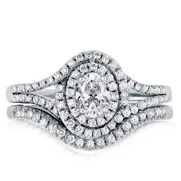 6 Popular Engagement Sets Styles For Her And Him