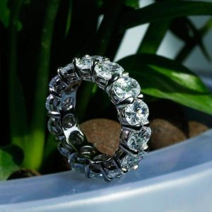 470f7e1ba00 The biggest concern for most when purchasing an engagement or wedding ring  is whether they have allowed enough in the wedding budget. Once upon a  time